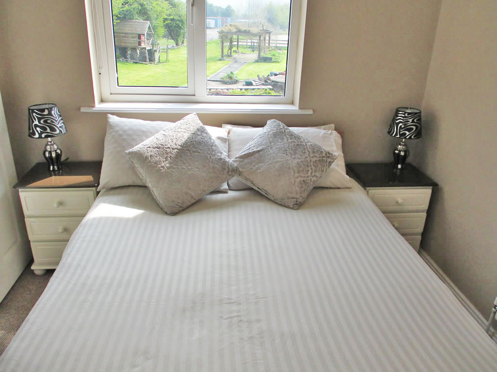Bedroom 2 in Bed and Breakfast near Fore Abbey