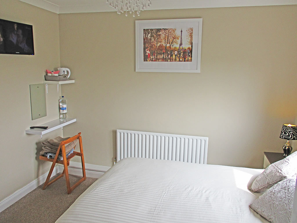 Bedroom 3 Whitaker Lodge B&B near Castlepollard